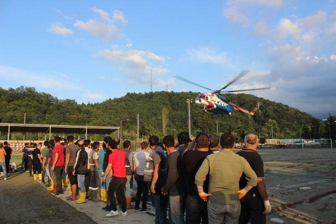 Türkeli'ye helikopter ve gemilerle binlerce ekmek ve su ulaştırılıyor