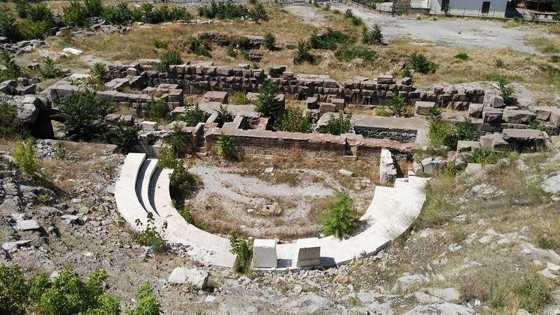 Antik Roma Tiyatrosu'nda çevre düzenleme ihalesi