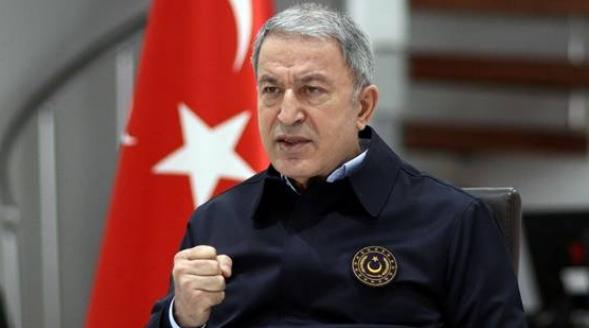 Eski Başbakan danışmanı: Erdoğan yetkilerini Hulusi Akar'a devretti