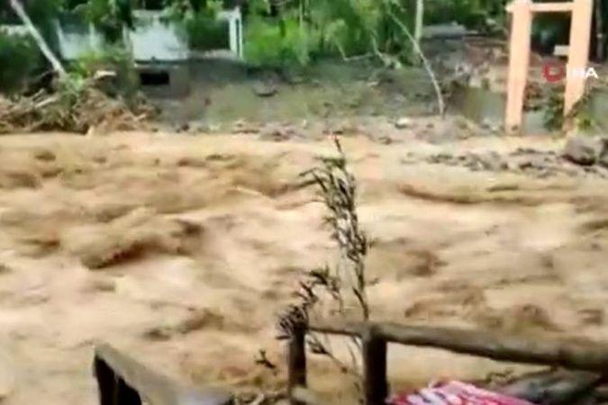 Malezya'da sel felaketi: 4 ölü, 2 kayıp