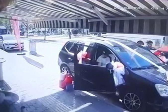 Direksiyona geçen çocuk sürücü ortalığı birbirine kattı
