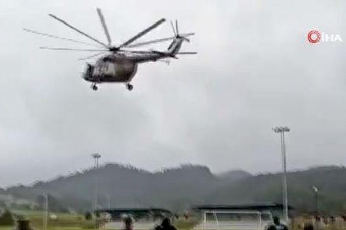 Meksika Donanmasına ait helikopter iniş yaptığı sırada düştü