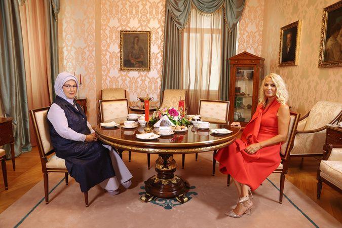 Emine Erdoğan, Kral Nikola Müzesi'ni ziyaret etti