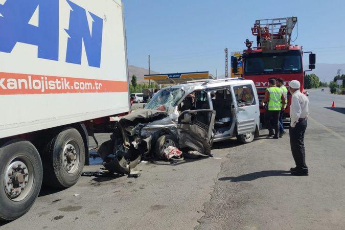 Van'da trafik kazası: 1 ölü, 4 yaralı