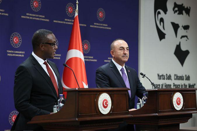 Bakan Çavuşoğlu: 'Kim yaparsa yapsın demokrasiye karşı müdahalelere karşıyız'