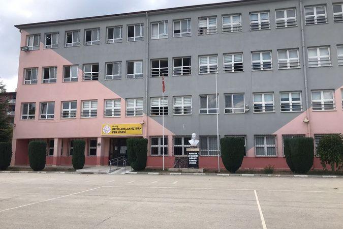 Bilecik'te bir okulda 3 öğrenci korona virüse yakalanınca sınıf karantinaya alındı