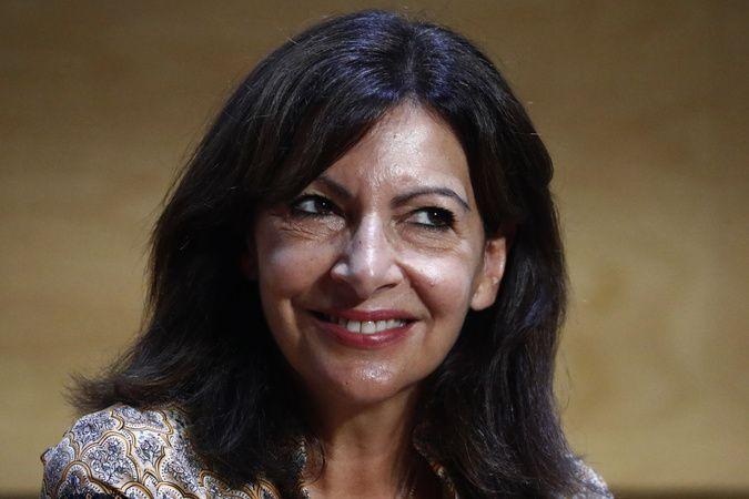 Paris Belediye Başkanı Hidalgo, cumhurbaşkanlığı seçimleri için adaylığını açıkladı