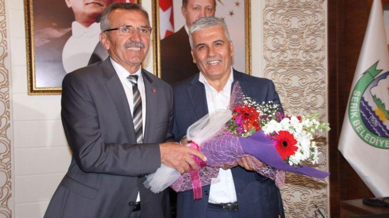 Serik Belediye Başkanı Aputkan mazbatasını aldı