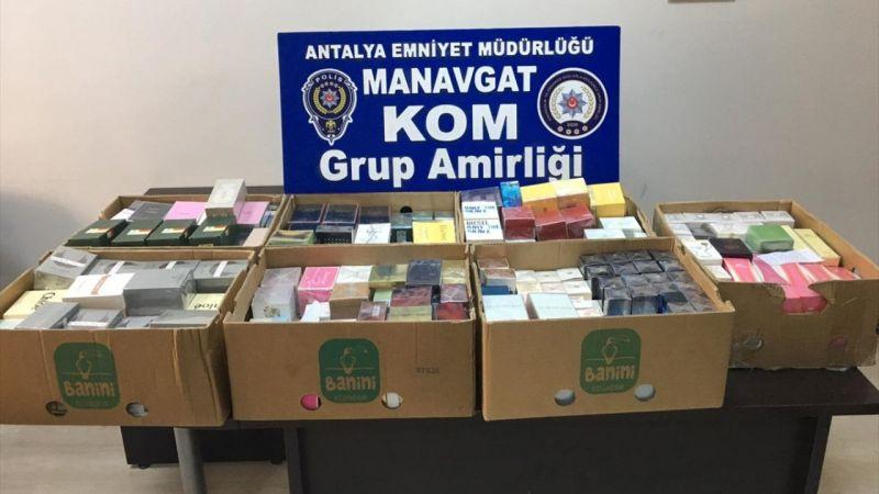 Antalya'da yakalanan 5 kaçakçıdan 2'si tutuklandı
