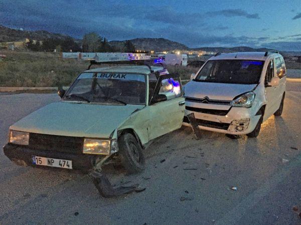 Alkollü sürücünün çarptığı araçtaki bebek ağır yaralandı