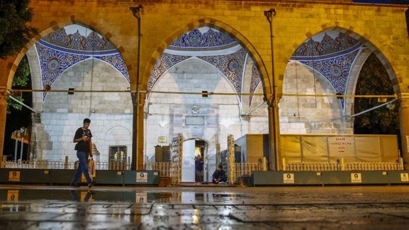Antalya'da ilk teravih namazı
