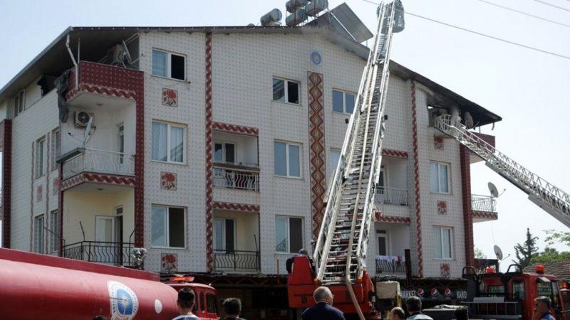 İki hafta önce fabrikası şimdi de evleri yandı