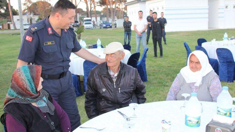 Serik'te şehit aileleri ve gazilere iftar verildi