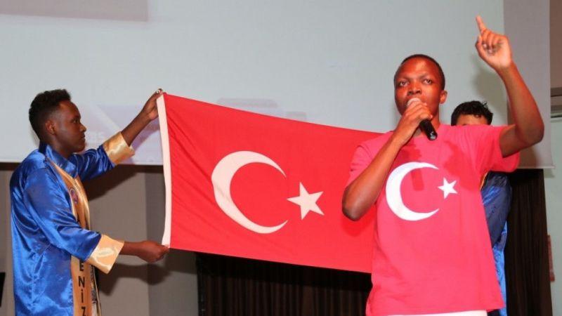 Akdenizli uluslararası öğrenciler mezuniyeti kutladı