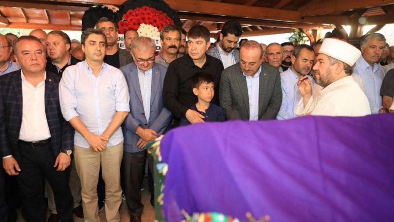 Menderes Türel'in annesinin cenazesi toprağa verildi