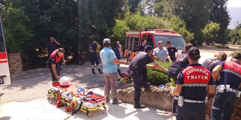 Antalya'da su kuyusuna düşen Alman vatandaşı kurtarıldı
