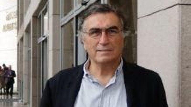 Gazeteci Hasan Cemal'in pasaportuna el konuldu