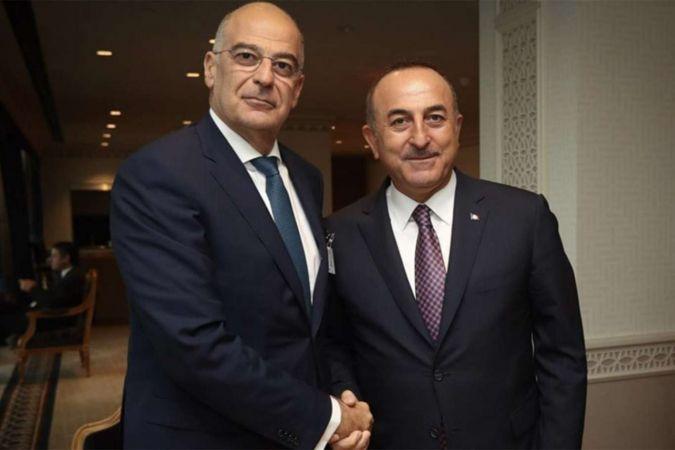 Çavuşoğlu ve Dendias'ın ortak basın toplantısında gerginlik