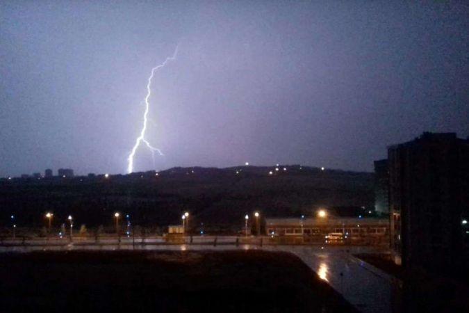 Meteorolojiden bu gece Trakya ile Çanakkale çevreleri için kuvvetli yağış uyarısı