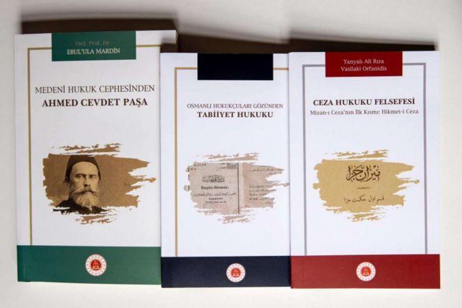 """Adalet Bakanlığı """"hukuk tarihine ışık tutacak"""" 3 kitap yayımladı"""