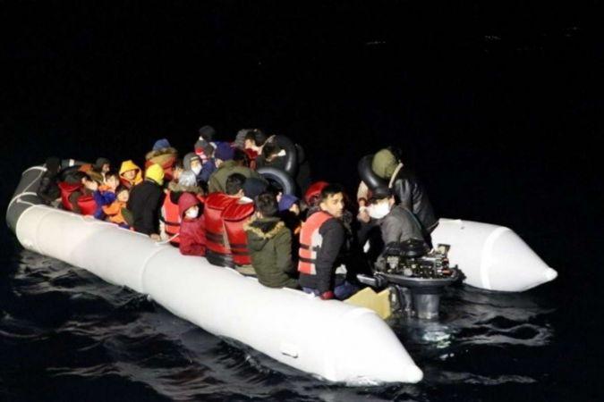 Sahil Güvenlik: Geri itilen 250 düzensiz göçmen kurtarıldı