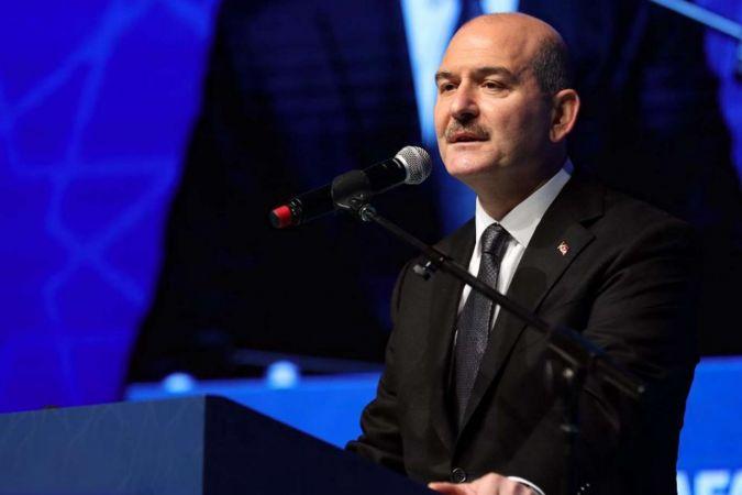 Bakan Soylu İstanbul'da bir araçta 5 kiloluk patlayıcı ile ele geçirildiğini açıkladı
