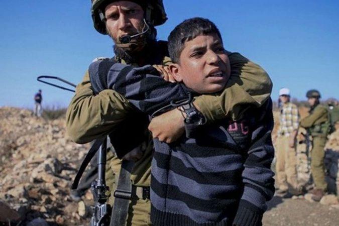 Siyonist işgalci rejim 65'i çocuk 10'u kadın 420 Filistinliyi esir aldı