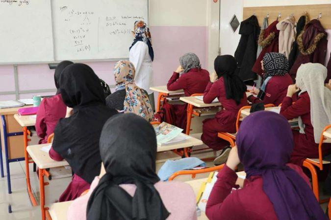 Sözleşmeli öğretmen ataması sözlü sınav yerleri e-Devlet üzerinden açıklandı
