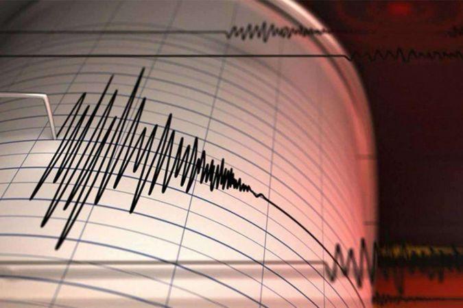 Endonezya'da 5,1 büyüklüğünde deprem