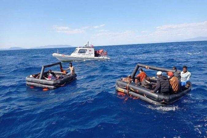 Yunanistan'ın geri ittiği 131 düzensiz göçmen kurtarıldı