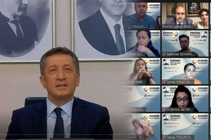 Bakan Selçuk, dijital öğretmen akademisi açılış konferansına katıldı