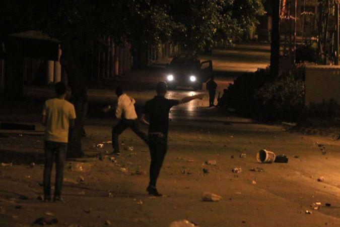 Siyonist işgalciler Filistinli gençlere ateş açtı: 3 yaralı