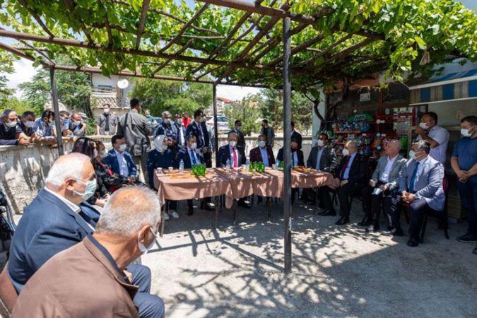 Bakan Bilgin Ankara'daki tarım işçileri ve çocuklarını ziyaret etti