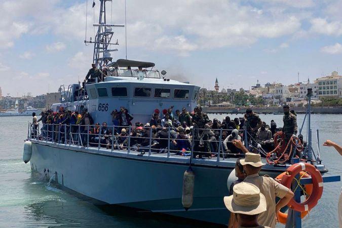 Libya açıklarında son 2 günde binden fazla düzensiz göçmen yakalandı