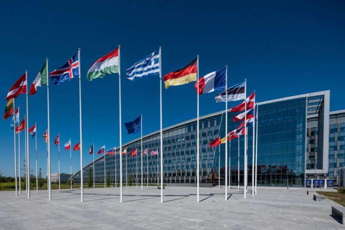 NATO'dan Rusya'ya Açık Semalar Anlaşması çağrısı