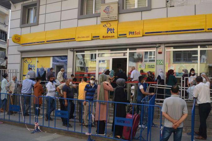 PTT iş yerleri kademeli açılıyor