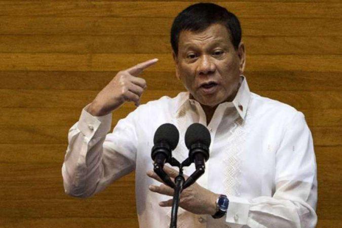 """Filipinler Devlet Başkanı Duterte'den """"ya aşı ya da hapis"""" tehdidi"""