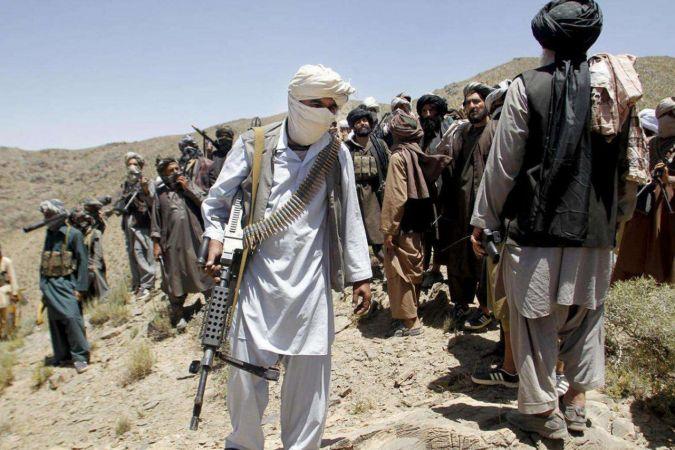Şirhan sınır kapısı Taliban'ın kontrolüne geçti