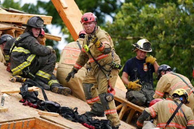 ABD'de inşaat halindeki bina çöktü