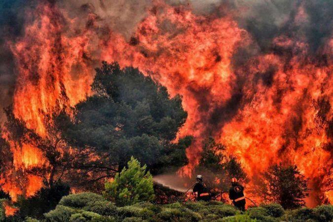 Kanada'da aynı anda yüzlerce orman yangını