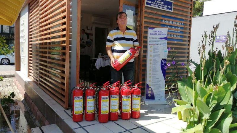 Muhtarlara yangın tüpü desteği