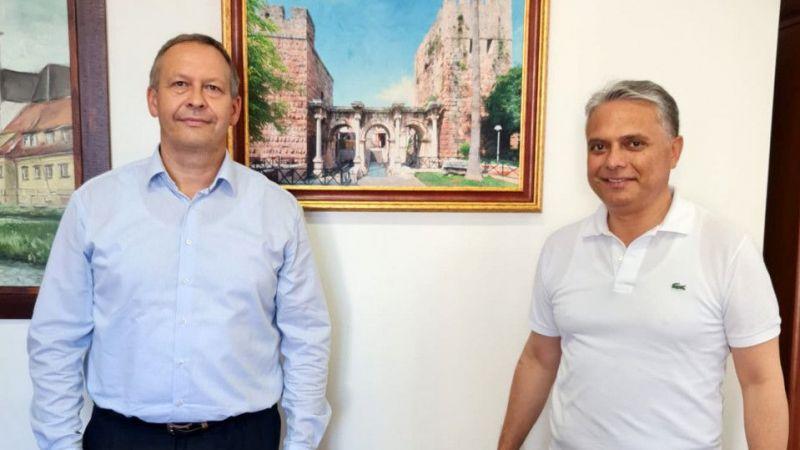 Başkan Uysal'a Levoca'da Üç Kapılar süprizi