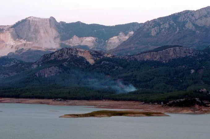 Isparta'da orman yangını büyümeden kontrol altına alındı