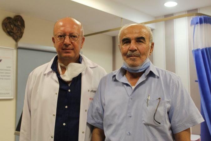 71 yaşındaki hasta konuşarak şah damarı ameliyatı oldu