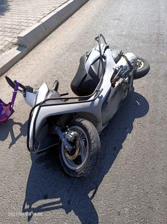 Tur otobüsüyle çarpışan motosikletin sürücüsü öldü