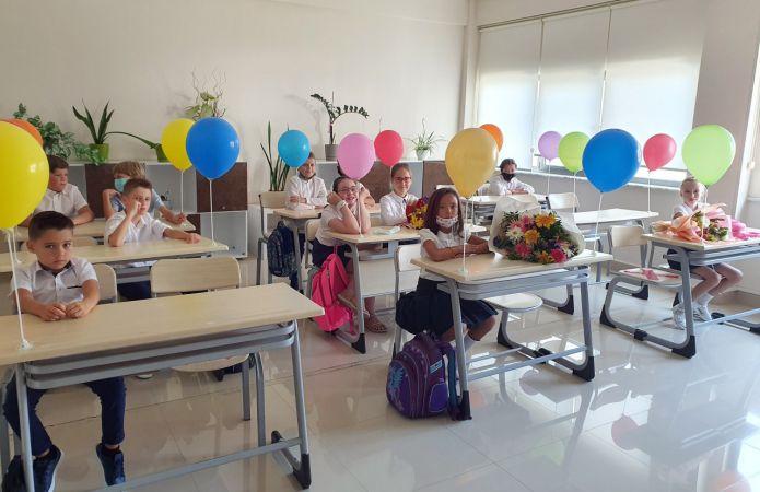 Rusya ile birlikte Antalya'da da ilk ders zili çaldı