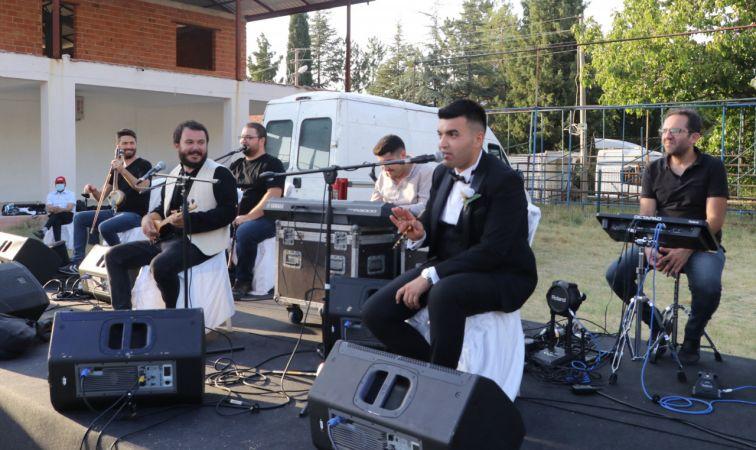 Dayıoğlu, yeni albümünün ilk klibini düğünde çekti