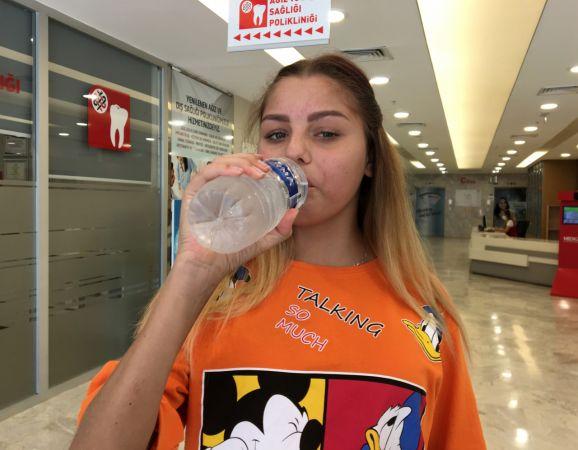 Ukraynalı Anastasiia, böbrek naklinden sonra doyasıya su içti