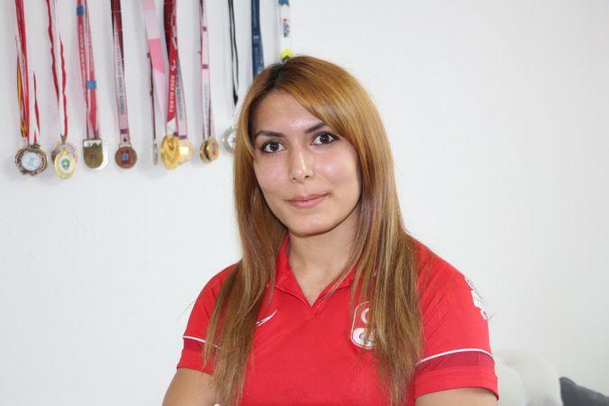 (ÖZEL) Golbol Milli Takımı'yla şampiyon olan Reyhan Yılmaz: İstiklal Marşı'nı okutmak hayalimdi