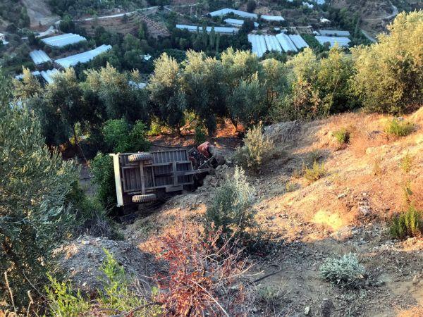 20 metrelik uçurumdan yuvarlanan traktörün sürücüsü öldü